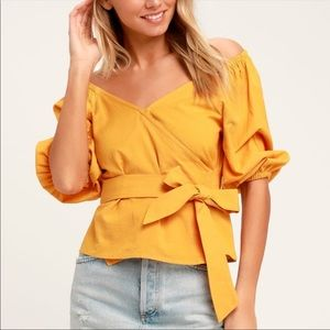 🌸 Yellow bubble-arm style wrap top
